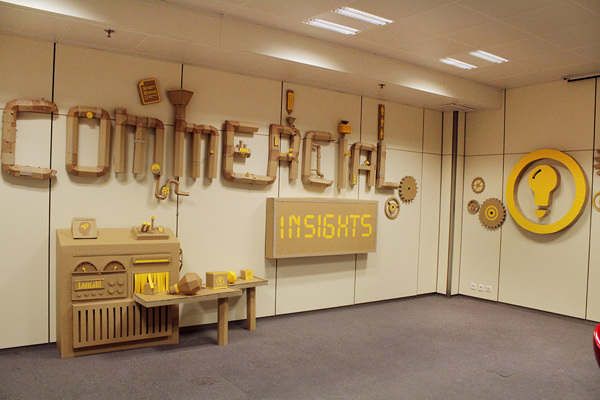 Oupas Design Creative Machines cardboard exhibition design _003