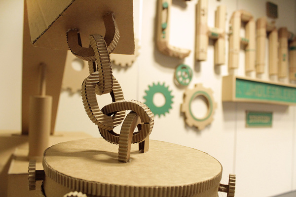 Oupas Design Creative Machines cardboard exhibition design _008