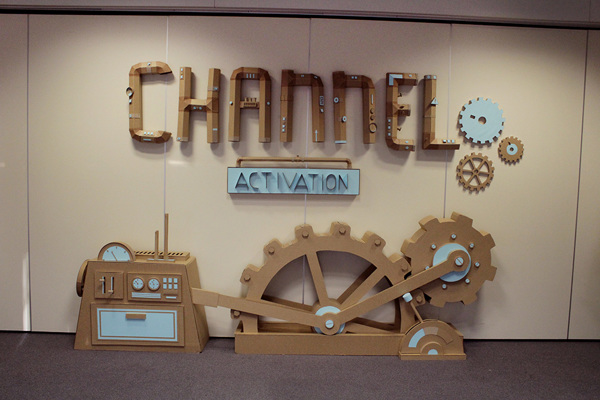 Oupas Design Creative Machines cardboard exhibition design _020